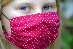 Leichte Stoffmaske Punkte beerenrot Facie 1-lagig mit Nasenbügel-Option & Größenwahl