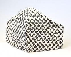 Stoffmaske Herzen weiß/schwarz mit Einlagefach-Option