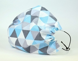 Leichte Stoffmaske Dreiecke blau Facie 1-lagig mit Nasenbügel-Option & Größenwahl